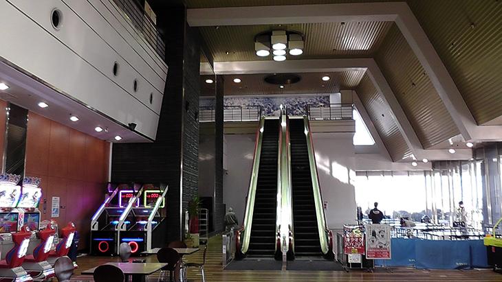 稲沢グランドボウル エレベーター 順路