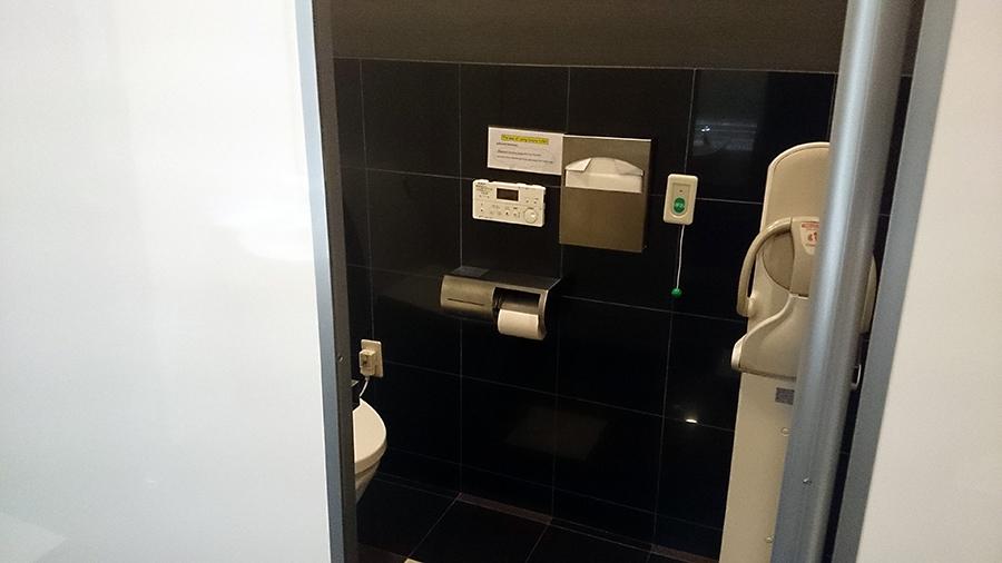 稲沢グランドボウル 1番側トイレ
