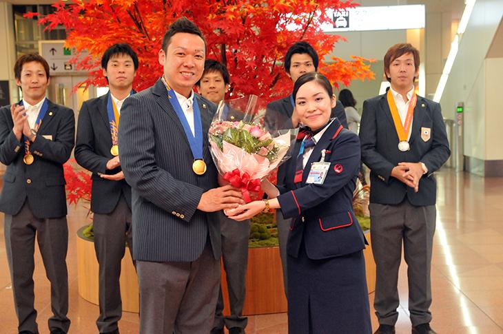 ボウリング 日本代表 帰国